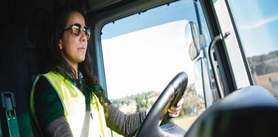 Camioneras al volante en Colombia